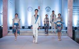 Den första serien av Shang Gu-Fashion Show Royaltyfria Foton