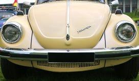 Den första utvecklingen av Volkswagen Beetle billyktor som är bekant i värld som buna arkivfoton