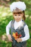 Första väghyvel för Schoolgirl Arkivfoton
