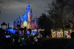 Den förtrollade sagobokslotten på Shanghai Disneyland, Kina royaltyfria foton