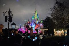 Den förtrollade sagobokslotten på Shanghai Disneyland, Kina royaltyfri foto