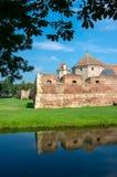 Den Fagaras fästningen i det Brasov länet, Rumänien. royaltyfri foto