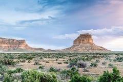 Den Fajada butten i nationellt historiskt för Chaco kultur parkerar, NM, USA Arkivbilder
