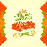Den fallande sidasäsongen är den kommande välkomna hösten Royaltyfria Bilder