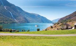 Den fantastiska Akrafjordenen i Norge royaltyfri fotografi