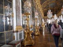 Den fantastiska slotten av Versailles, galleri av speglar paris royaltyfri fotografi
