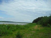 Den fantastiskt härliga naturen av den ryska norden Arkivbilder