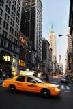 Den femte avenyn i Manhattan New York Arkivbilder