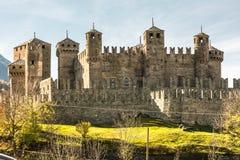 Den Fenis slotten i Aosta Valley, Italien royaltyfria bilder