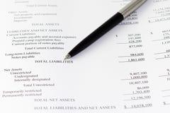 Den finansiella affären analyserar ansvar Royaltyfri Foto