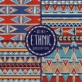 Den flerfärgade person som tillhör en etnisk minoritet mönstrar samlingen Uppsättning av 4 moderna abstrakta sömlösa bakgrunder royaltyfri illustrationer