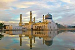 Den flottörhus moskén Arkivfoto