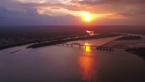 Den flyg- Kentucky Louisville Juli 2017 solnedgången 4K inspirerar 2