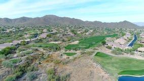 Den flyg- nordliga Arizona golfbanan drar tillbaka stock video