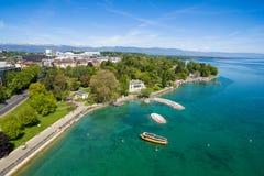 Den flyg- sikten av den måndag reposen parkerar Genèvestaden i Schweiz Arkivbild