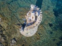 Den flyg- sikten av det Genovese tornet, turnerar Genoise, den Cap Corse halvön, Korsika kustlinje france Royaltyfri Fotografi