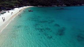 Den flyg- sikten av den Forno stranden, Arraial gör Cabo arkivfilmer