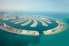 Den flyg- sikten av Palm Jumeirah mannen gjorde ön royaltyfria bilder