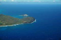 Den flyg- sikten av Sandy Beach, kanin och, vaggar öar, Makapuu Po Royaltyfria Bilder