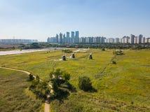 Den flyg- sikten av träväderkvarnen på Incheon ekologiska Sohrae parkerar Royaltyfri Bild