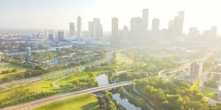 Den flyg- sikten i stadens centrum Houston och fjärde avvärjer området Arkivfoton