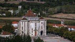 Den flyg- sikten till Santuario gör Senhor Jesus da Pedra, Obidos, Portugal royaltyfria bilder