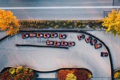 Den flyg- surrsikten på att springa går-kart spåret Royaltyfri Bild