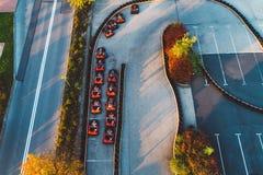 Den flyg- surrsikten på att springa går-kart spåret Royaltyfri Foto
