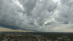 Den flyg- videoen av åska stormar i södra Florida lager videofilmer