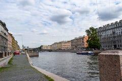 Den Fontanka floden i St Petersburg Arkivfoto