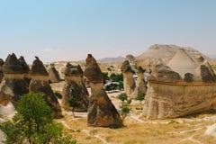 Den formade Pasabag dalchampinjonen vaggar bildande, felika lampglas i Cappadocia, Turkiet Royaltyfri Bild
