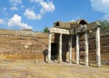 Den forntida antikviteten fördärvar av villan Adriana, Tivoli Rome royaltyfria bilder