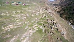 Den forntida Chechen byn av Khoy Ryssland Arkivfoton