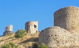 den forntida fästningen fördärvar väggen Arkivfoto