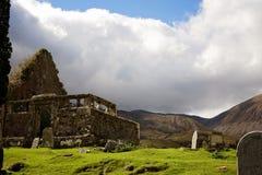 Den forntida kyrkan fördärvar i skotsk Skotska högländerna Royaltyfria Foton