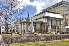 Den forntida restaurangen Kappeli är i en parkera Esplanadi. 19th århundrade Royaltyfria Bilder