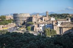 Den forntida Roman Forum och den Palatine kullen i Rome Italien Royaltyfria Foton