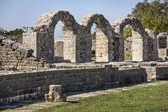 Den forntida romaren fördärvar nära staden som delas i Kroatien Royaltyfri Foto