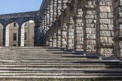 Den forntida romerska akvedukten i Segovia, Spanien Arkivfoton