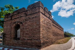 Den forntida staden av Chiang Mai, Thailand forntida vägg Fotografering för Bildbyråer
