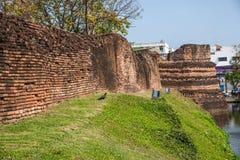 Den forntida staden av Chiang Mai, Thailand forntida vägg Arkivfoto