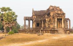 Den forntida templet fördärvar på Angkor Wat Arkivbilder