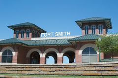 Den Fort Smith Arkansas riverfronten parkerar allaktivitetshuset Royaltyfri Foto