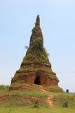 Den Foun Stupa - Muang Khoun - Xieng Khouang Royaltyfri Foto