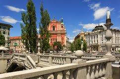 Den Franciscan kyrkan av förklaringen i mitt av Ljubljana arkivfoton