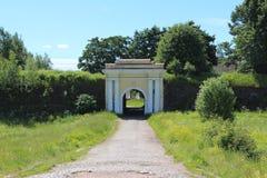 Den Fridrikhsgamsky porten är delen av Anninsky strengthenings i den Vyborg staden Royaltyfria Foton