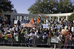 den fridsamma protesten kriger Arkivbild