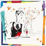 Den fundersamma flickan sitter med en cigarett i kafé Royaltyfri Foto