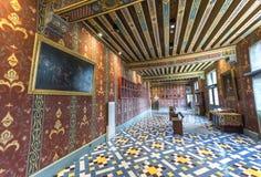 In den Galerien des Chateaus Blois Stockbilder