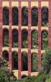Den gamla akvedukten namngav El Puente del Aguila i Nerja, Costa del Sol, Spanien Fotografering för Bildbyråer